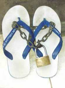 Flip-flop with safety lock